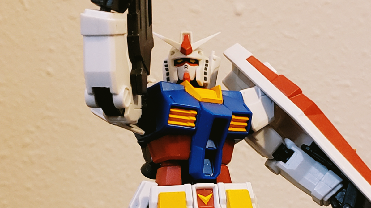 The RX-78-2 makes an iconic pose.